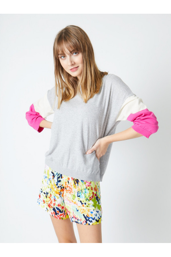 tricolor-sleeve-jumper