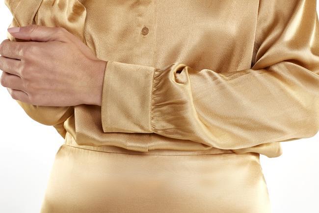 Articles_5Ctop-elastic-in-the-waist-v-neck-camel-1562_650x